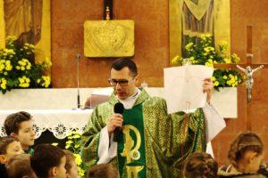 Dziecięca Msza św. z ks. Kamilem